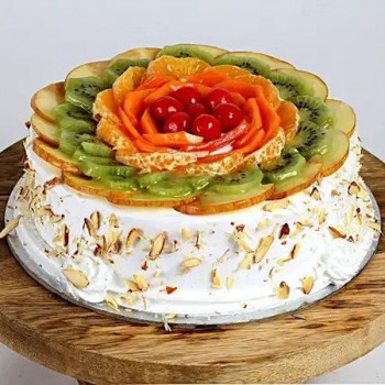 Eggless Creamy Fruit Cake