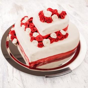 2 Tier Vanilla Strawberry Cake