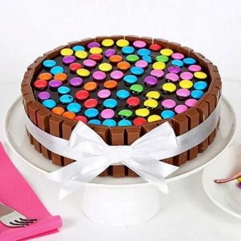1 Kg Kitkat Gems Cake