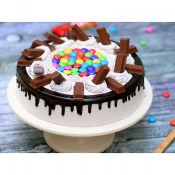 Kitkat Vanilla Gems Cake